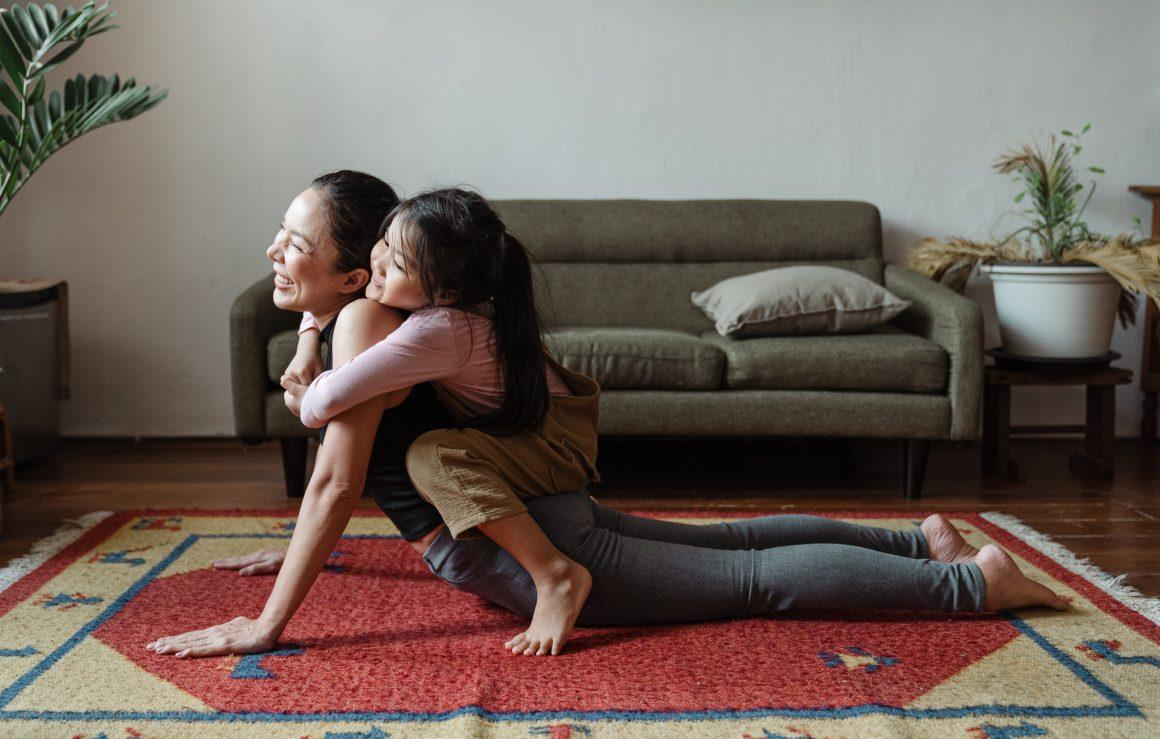 yoga para niños en casa